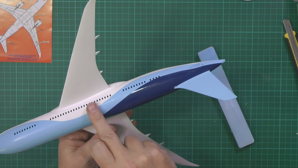 Revell 787 Dreamliner Part 5 PIC 1.jpg