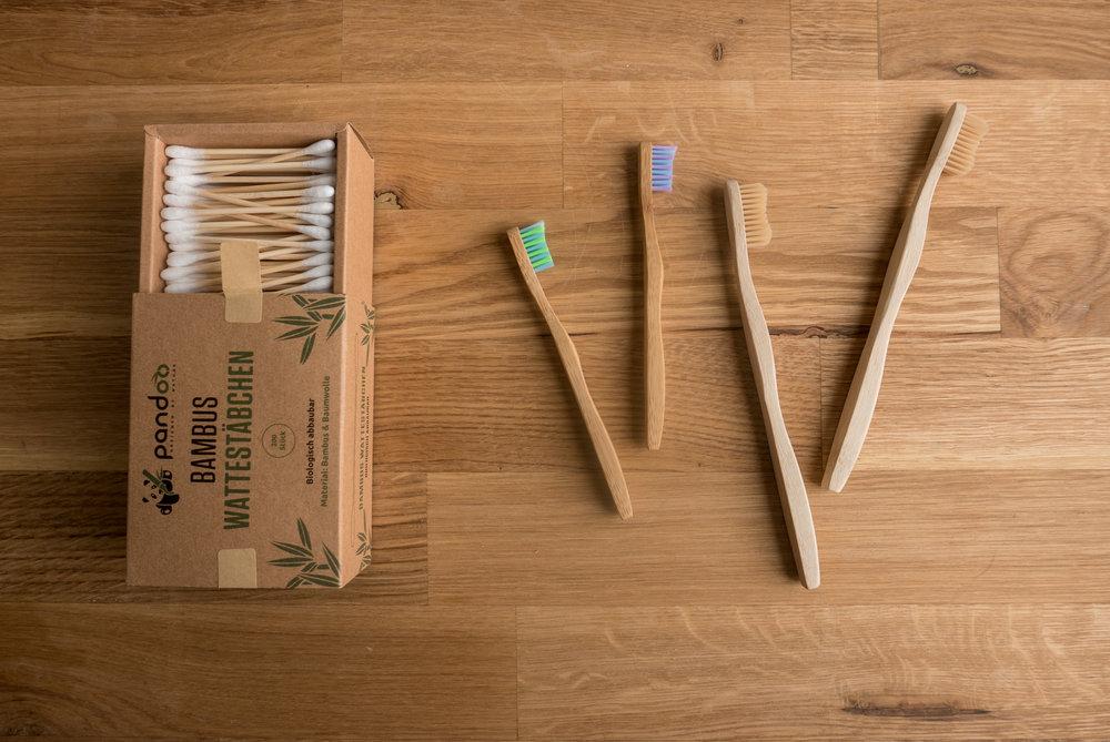Бамбукови клечки за уши и четки за зъби