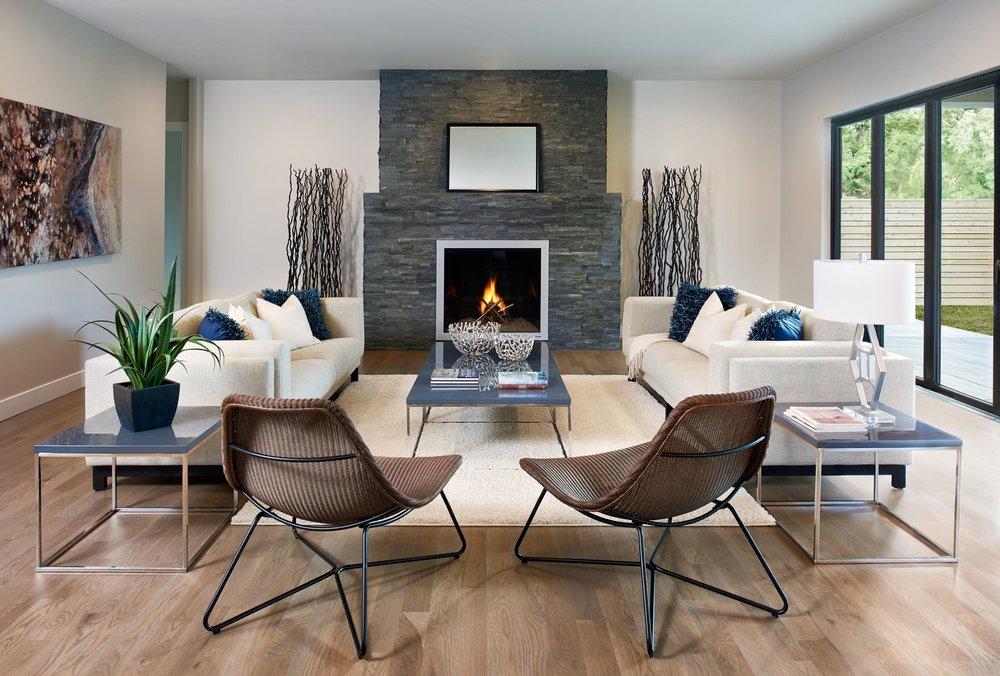 home-staging-living-room-glencoe_yqvhjq-1.jpg