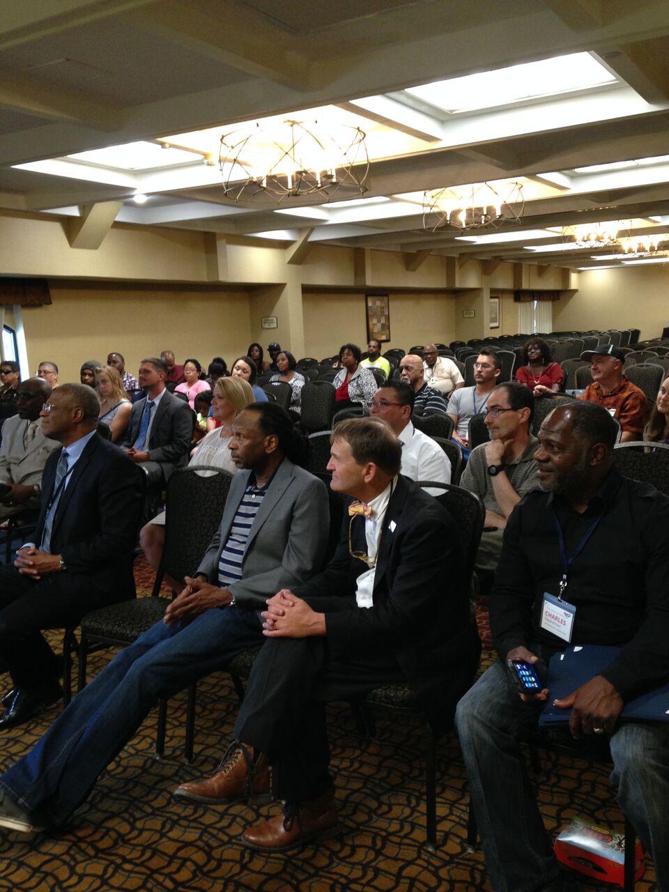 Large room of people.jpeg