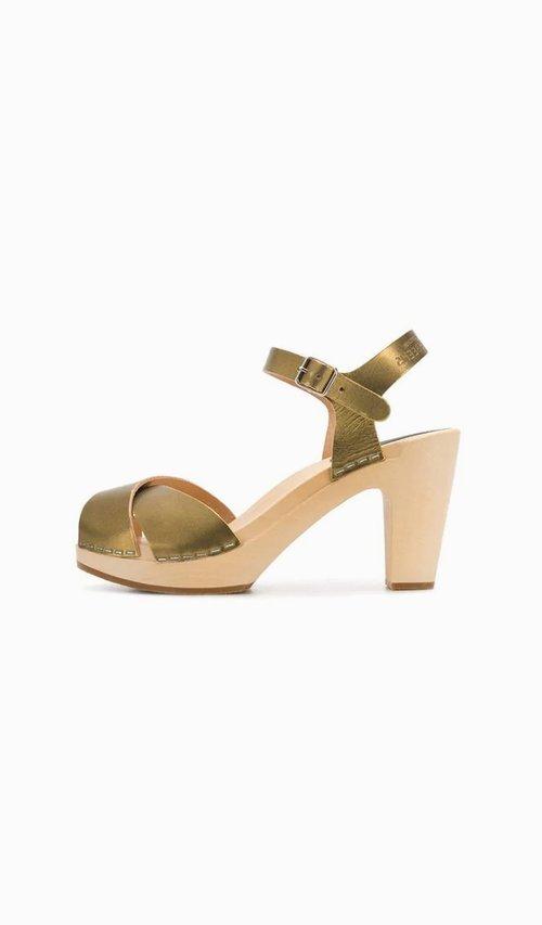 f9294d895ba Swedish Hasbeens - Merci gold sandals — Vico dei Bolognesi