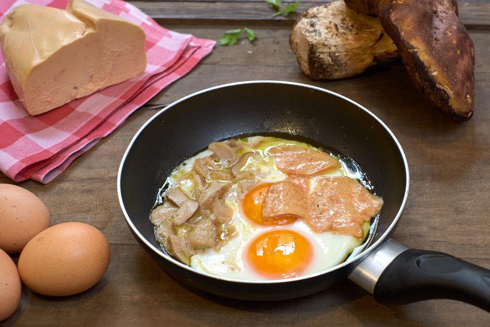 Huevos fritos con foie