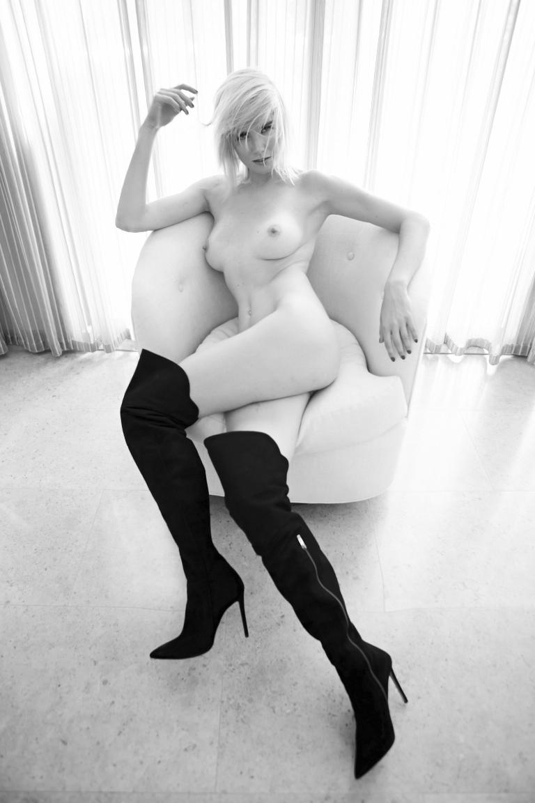 171012_EugeniaKuzmina_Playboy_07_086rt.jpg