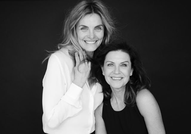 Yesterday I got to take photos of the one and only Wendy Crewson for the Sundari Woman Book. Wendy is one of the kindest, loveliest most generous woman and not to mention she is an incredible actress...one of my favourite roles of her's was when she played the First Lady in Air Force One with Harrison Ford!! She is simply amazing. I am beyond grateful and honoured that she is apart of the #sundariwomanproject 🙏✨can't wait to share her photos with you soon.  #helentanseyphotography #sundariwoman #wendycrewson #legend #beautyatanyage #grateful