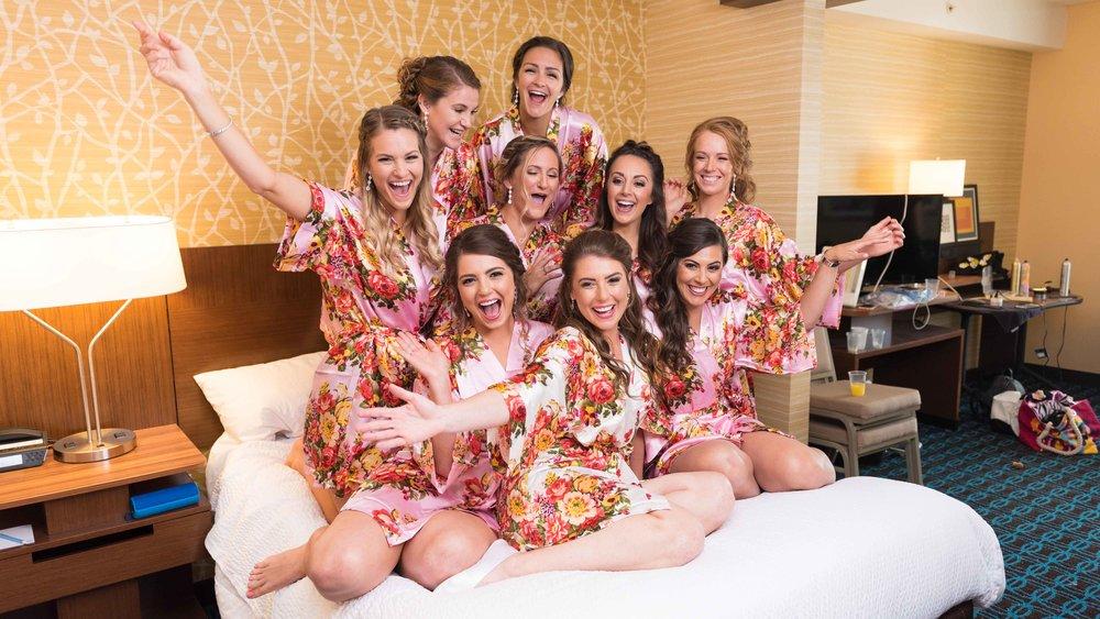 Wedding-Bridal-Party-Getting-Ready-27.jpg