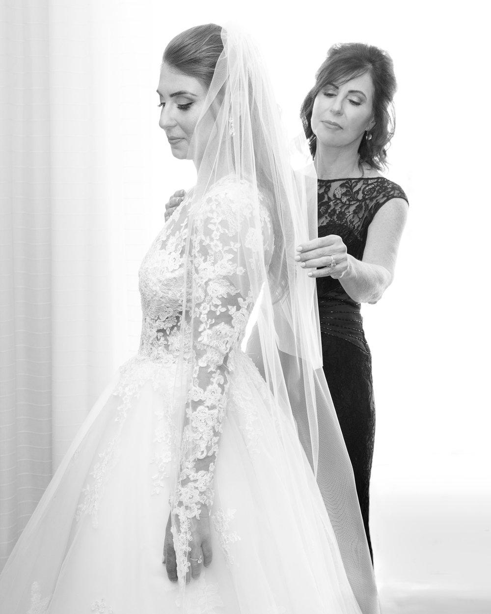 Wedding-Bridal-Party-Getting-Ready-33.jpg