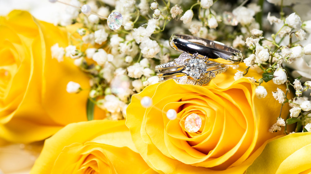 Wedding-Rings-Yellow-Roses-1.jpg