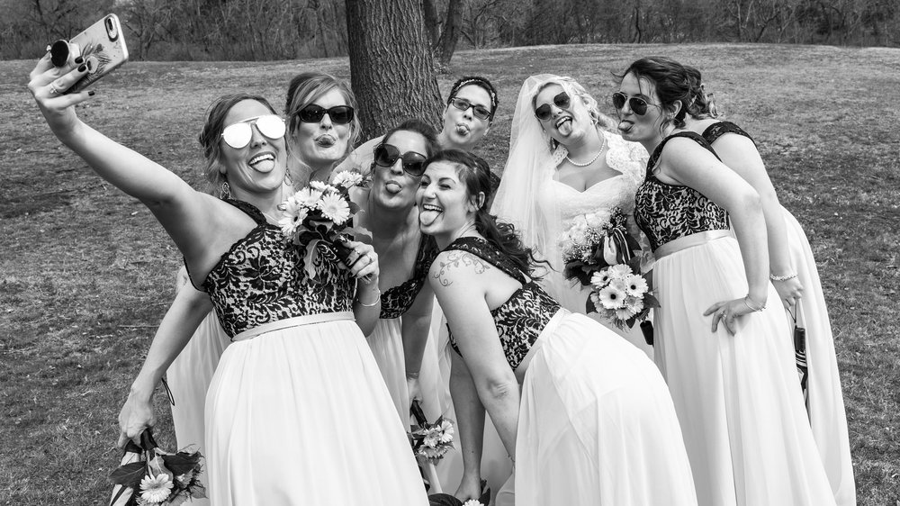 Bridal-Party-Portraits-in-Park-4.jpg