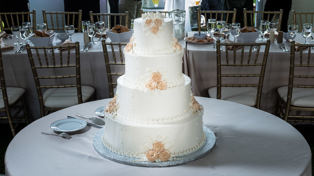 Wedding-cake-at-reception.jpg