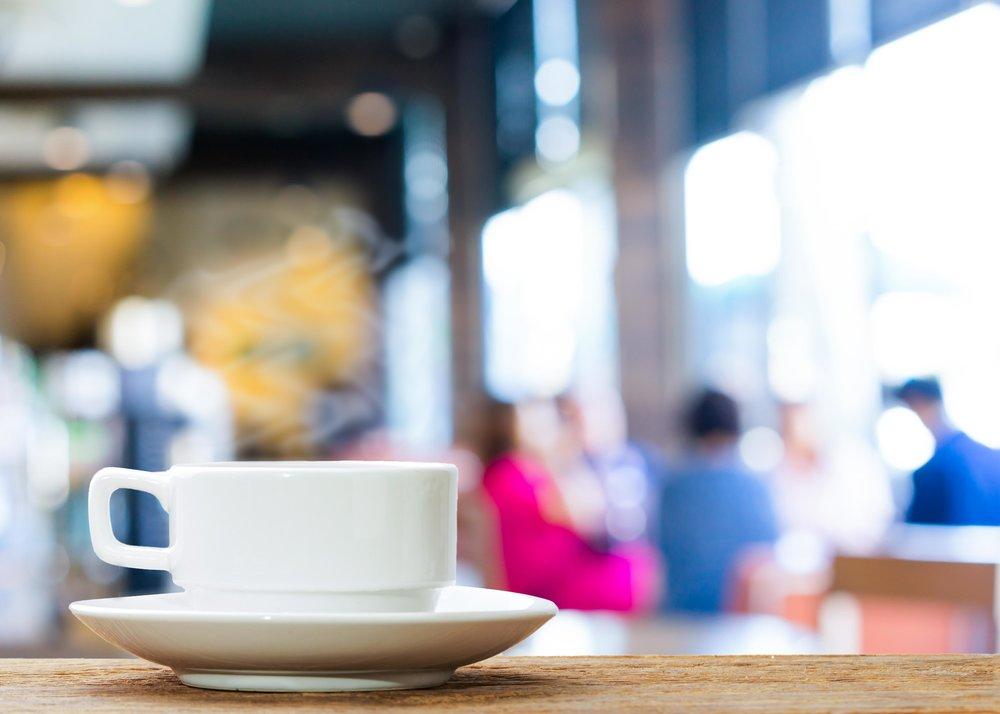 Coffee-Shop-Meeting-with-Lumin-Amore-1.jpg