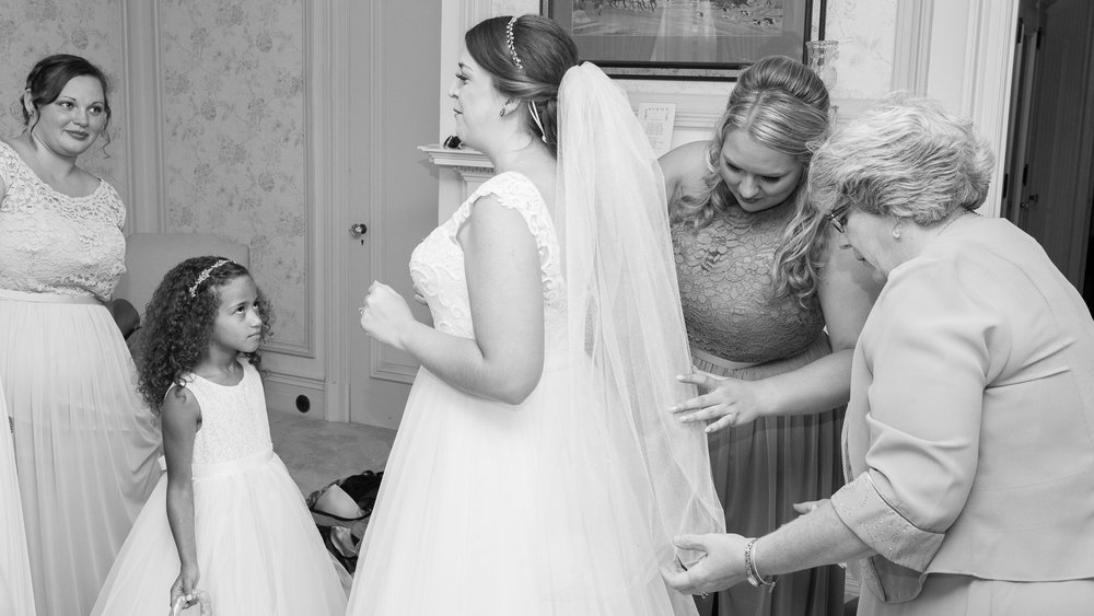 Bride_Getting_Ready_with_Mother-2.jpg
