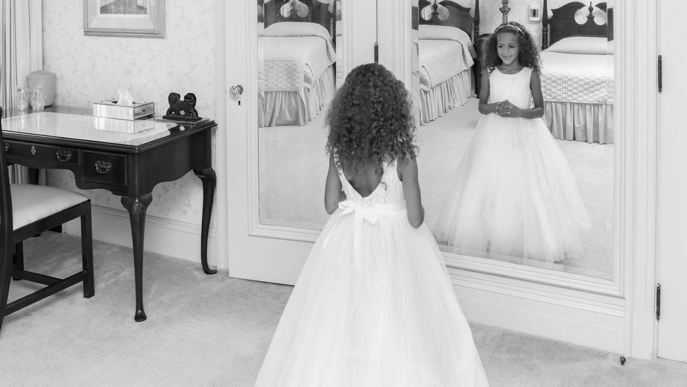 Daughter_of_Bride_by_Mirror-2.jpg