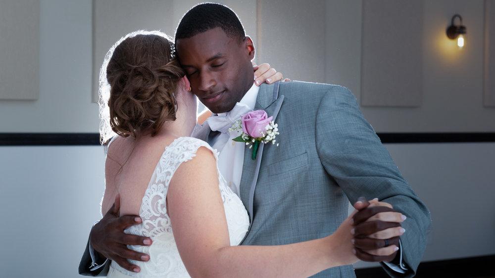 Bride_and_Groom_First_Dance.jpg