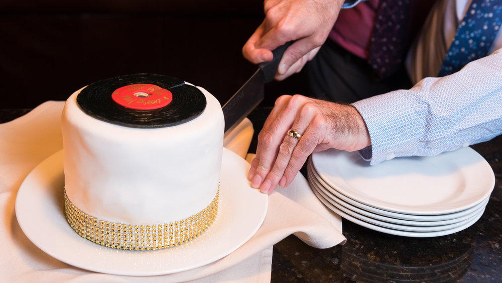 same-sex-wedding-cutting-the-cake-3.jpg