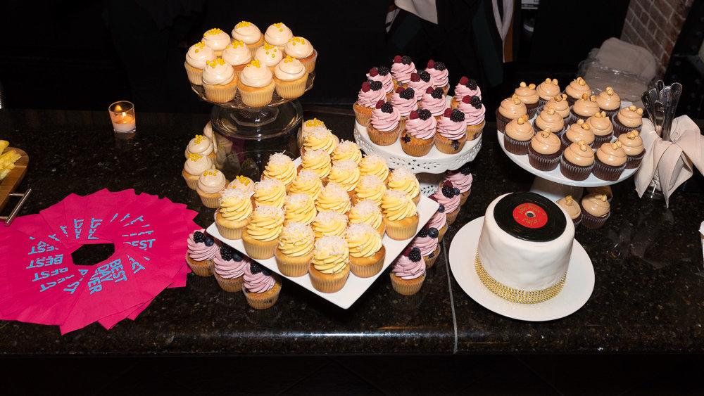 Wedding-Cake-and-Cupcakes-1.jpg