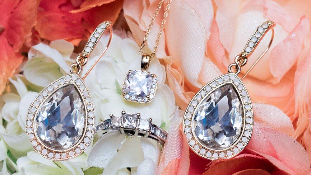Bride-wedding-ring-earings-necklace-1.jpg