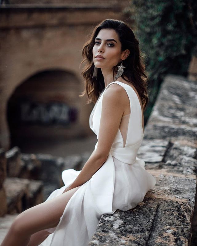 Our Falling Star earrings paired with this beautiful @louvienne gown 😍 . . . gown: @louvienne  styling + planning: @lovelybride photographer: @tali_photography models: @diviulaura + @lairagomes_ hair + makeup: @blushbridal_mallorca earrings: @bloombazaar video: @mslivenska . #wedding #bride #weddinginspiration #weddingdetails #weddingstyle #bridal #accessories  #statementpieces #bloombazaar #stars #statementearrings