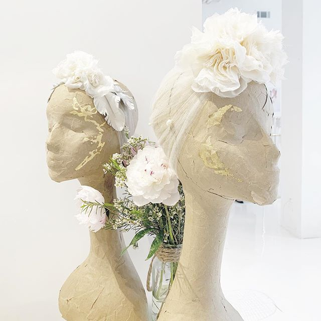 Why yes, those are handmade flowers on a tulle turban with freshwater pearls. And yes, those are leather leaves back there 😉 . . . . . #wedding #bride #bohowedding #bohobride #weddinginspiration #weddinggoals #weddingdetails #weddingstyle #bridal #accessories #headpieces #destinationwedding #bloombazaar