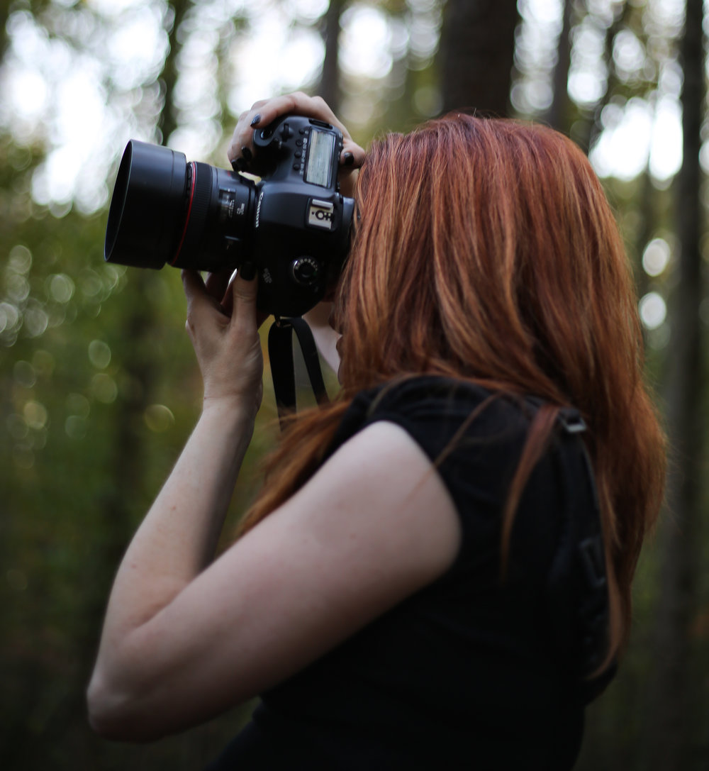 The Photographer - Meet Julie over some delicious coffee or chocolate to get to know her personally. You'll see that she is committed to providing the highest quality of work!Click on her photo to see more information about her workshops.