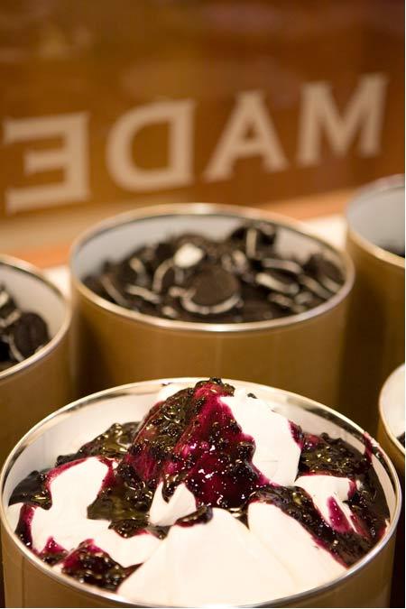 ice_cream_v_berry_tubs.jpg