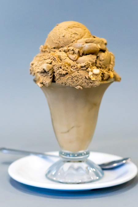 ice_cream_v_rockyroad.jpg