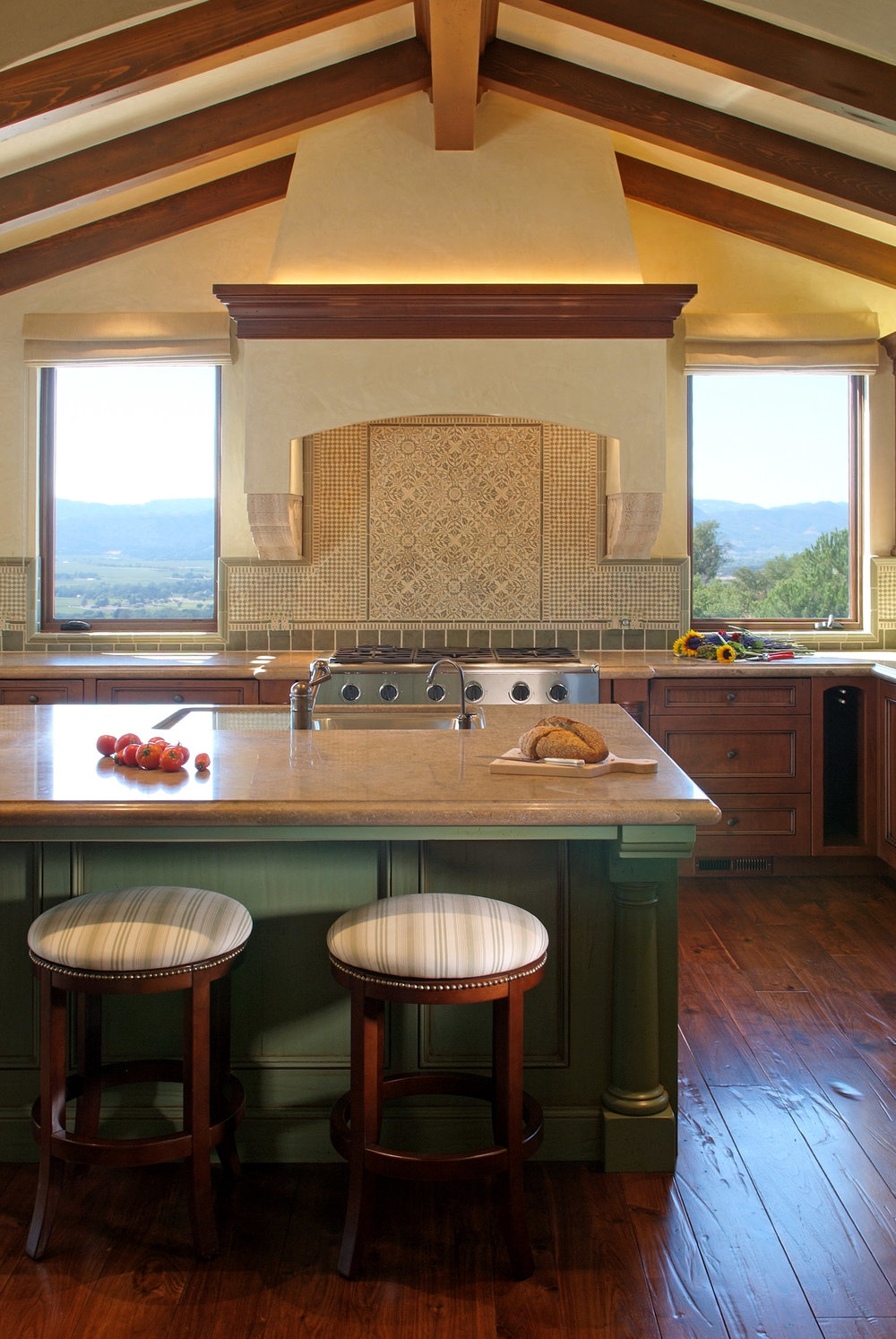 Napa_Valley_Italian_Villa_kitchen_02.jpg