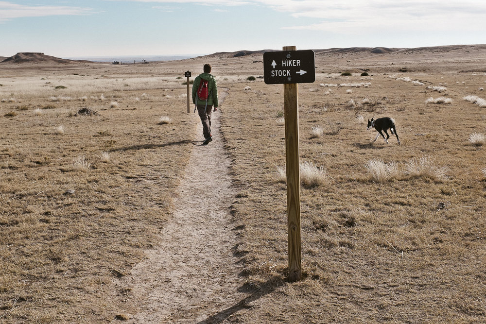 hiking with dogs at pawnee buttes colorado 027.jpg