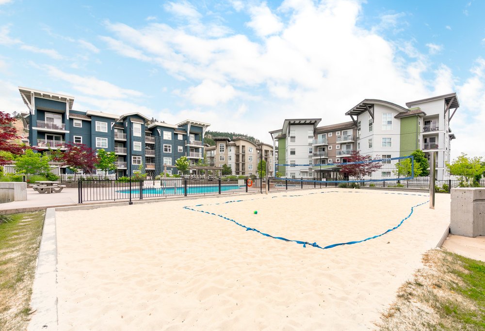 OUTDOOR LIVING - Built with outdoor living in mind, The Verve is home to an oversized, kidney shaped pool and full sized beach volleyball court. The Verve is also home to an outdoor cook area with several gas BBQs, so you can truly live the Okanagan Lifestyle.