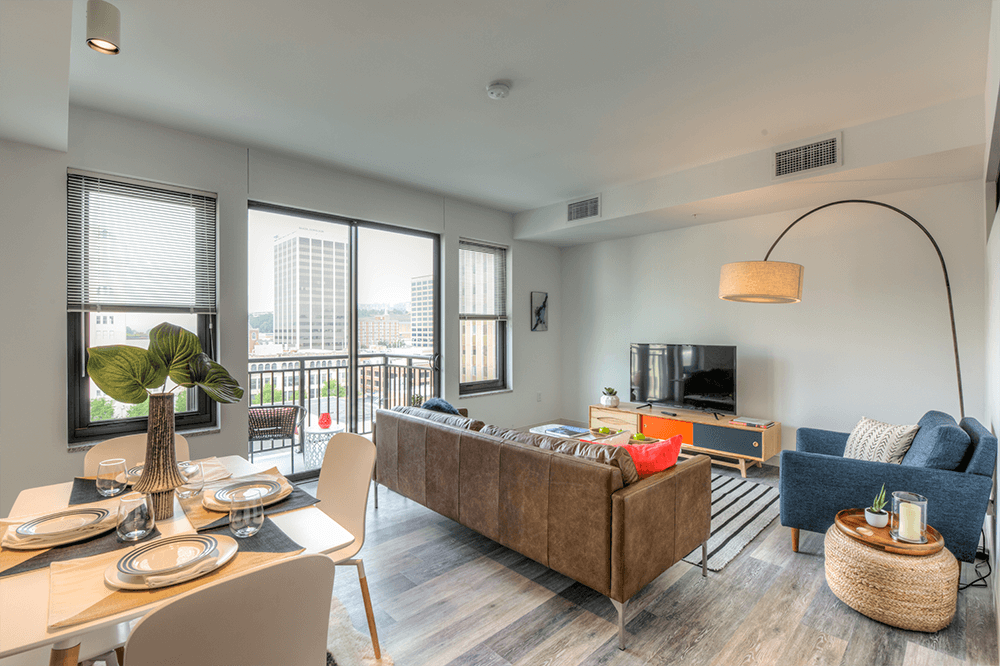 The Craven 1 Bed/1 Bath. All units feature a balcony with a view of downtown Chattanooga. Market City Center is at the center of it all.