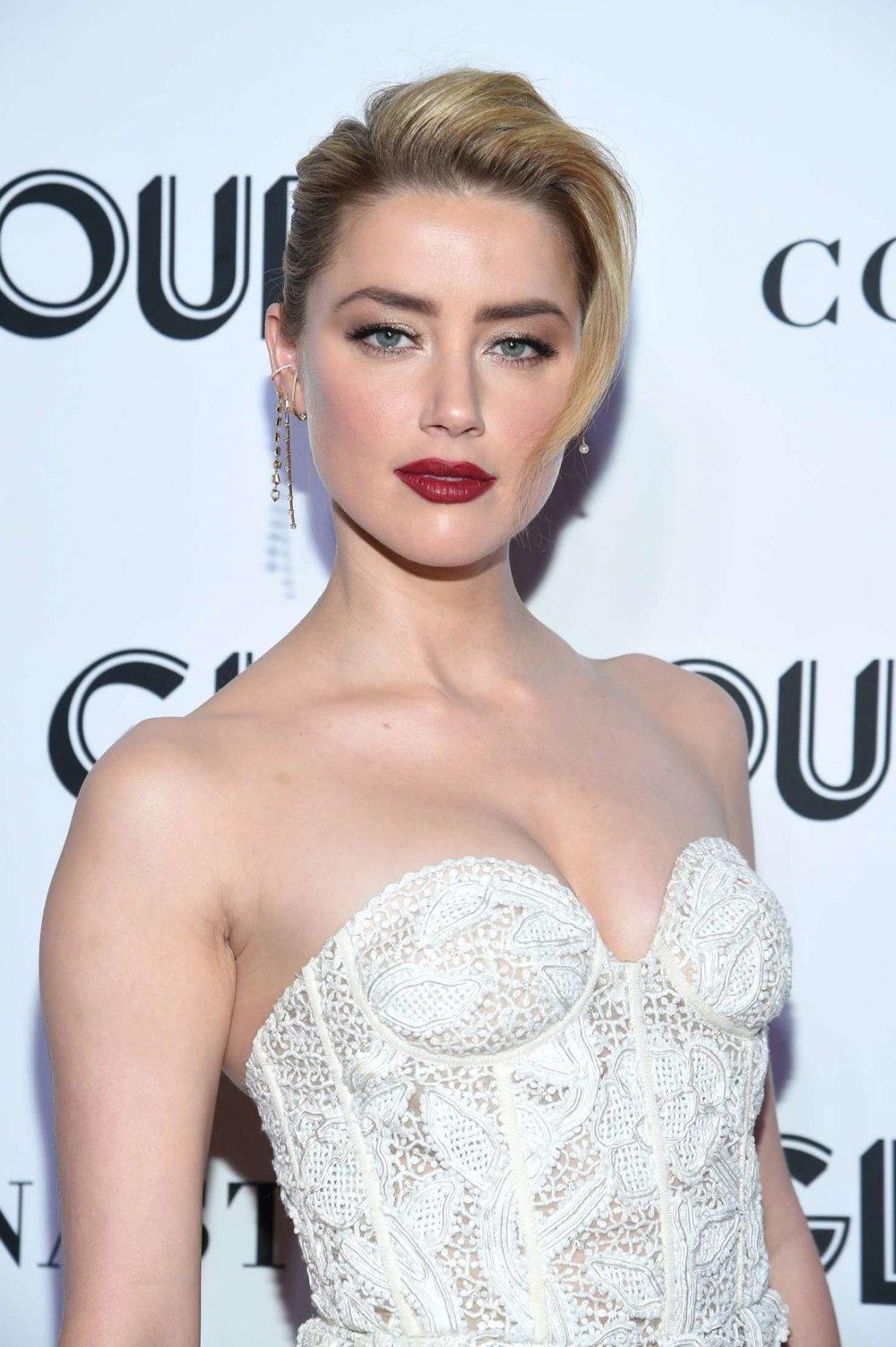 Amber-Heard_-2018-Glamour-Women-of-the-Year-Awards--22.jpg