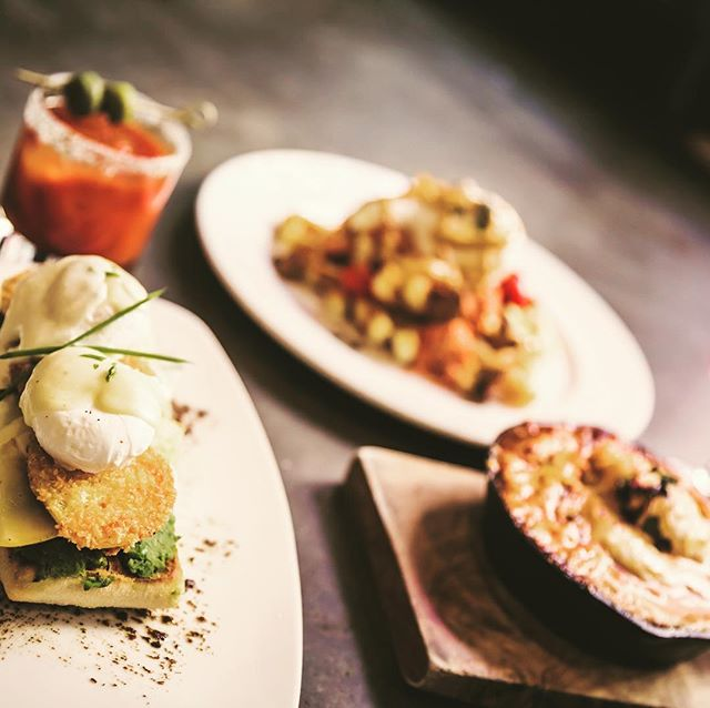 #Friday #brunch at @tuccraftkitchen! From left to right... Whirled Peas and Eggs (#vegetarian), Waffles and Pig (not vegetarian) and the Tuc Mex.... + all day #happyhour starting at 11am. . . . . #friyay #coworking #gastown #coworkingspace #vancitynow #vancouverlife #vancouverlifestyle #community #supportlocal #yvrfoodies #yvr #vancouver #vancitybuzz #freelancer #digitalnomad #locationindependent  #dailyhivevan #vancouverisawesome