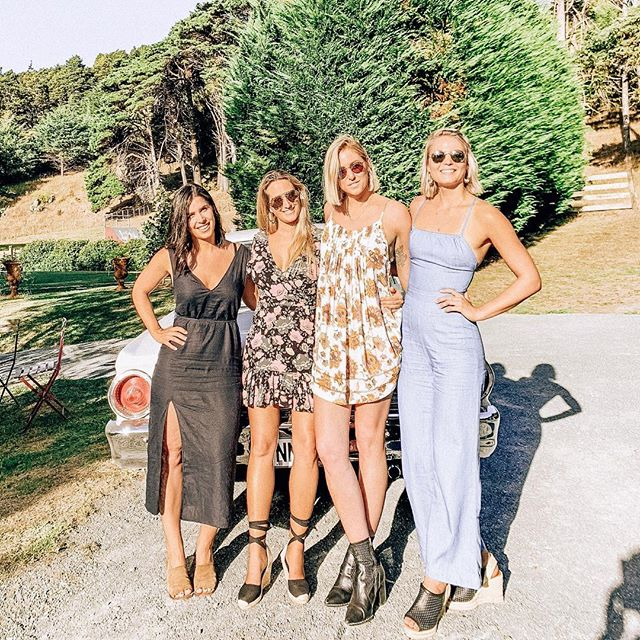 good vibes only 〰️ Kate + Luke's wedding was filled with fun, friends and so much love. what an amazing time with the best people.  #taketen #goals #mindsetiseverything