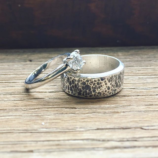 Finally finished Peter's wedding band!  Silver • lost wax cast • 🔨 & patina finish 👩🏼‍🏭