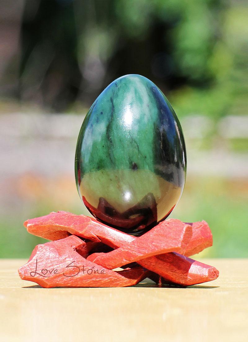 nephrite-jade-yoni-egg.jpg