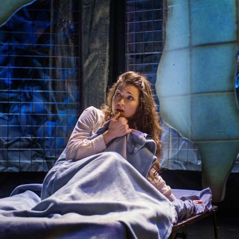 anya17-opera.jpg
