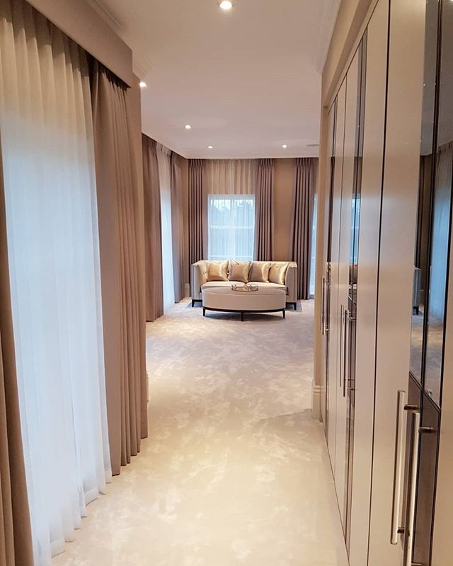 Love these bespoke blackout and sheer curtains handmade and fitted by our expert team.. top quality window coverings really finish off any room... at Bridges Interiors we're happy to take on any type of project big or small we've fitted our products in all types of properties from studio apartments to Palaces.. call our friendly team today for a free no obligation home/site visit and estimate.💫 . . . . . . #curtains #sheer #blackout #interiordesign #instagood #interior123 #windowcoverings #windowtreatments #luxury #styleinspo #styleinspiration #home #homeinspo #homeinterior #homedecoration #housedesign #london #surrey #upholstery #handmade #fabrics #interiordecorating #instagram