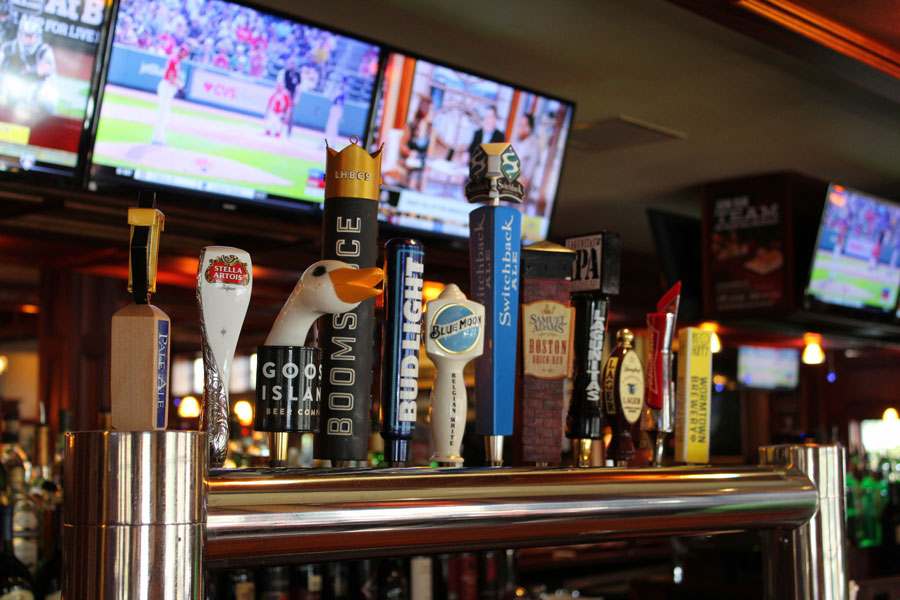 Fours-Norwell-Beer-Taps.jpg