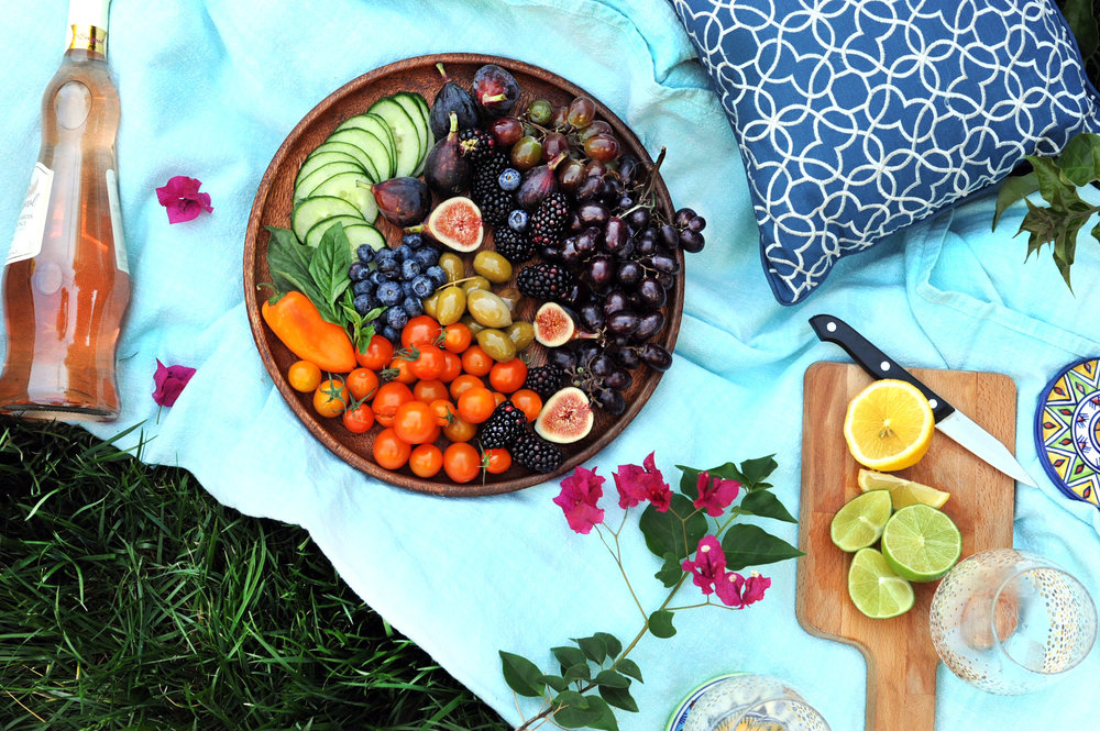 Picnic-in-Late-August.jpg