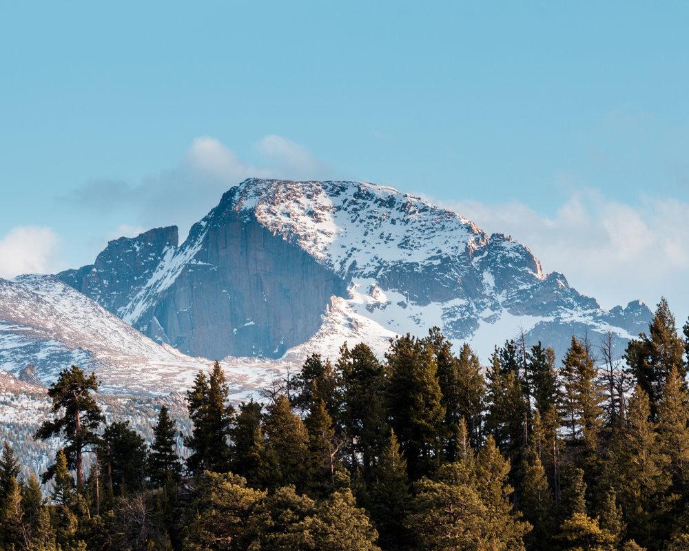 Long's Peak, Canon EOS 80D, EF 70-200 f/4L IS USM at 200mm, ISO100, 1/50, f/11