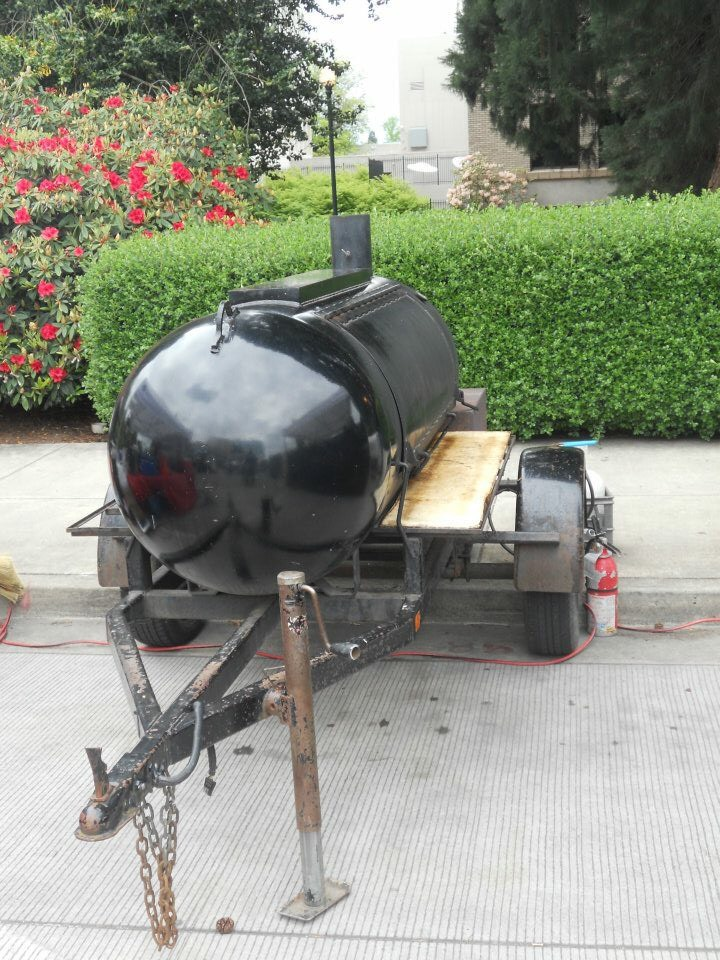 Cousin Kenny's Barbecue Smoker at Hillsboro Farmers' Markets.