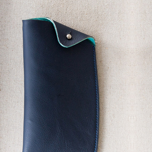 Eikee handmade leather case with stud
