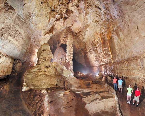 Natural-Bridge-Cavern-Castle of the White Giants-TourTexas.jpg