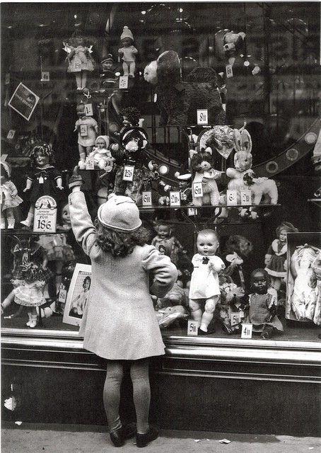 doll shopping virtual doll convention.jpg