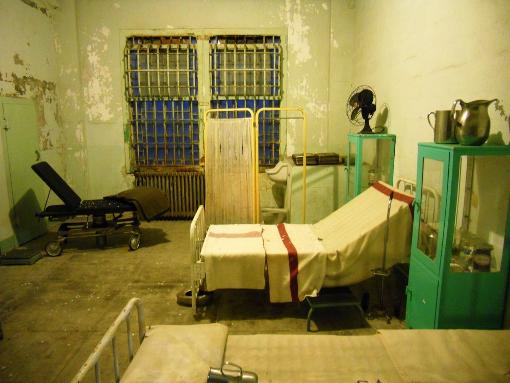 One of the infirmary rooms at Alcatraz during the night tour