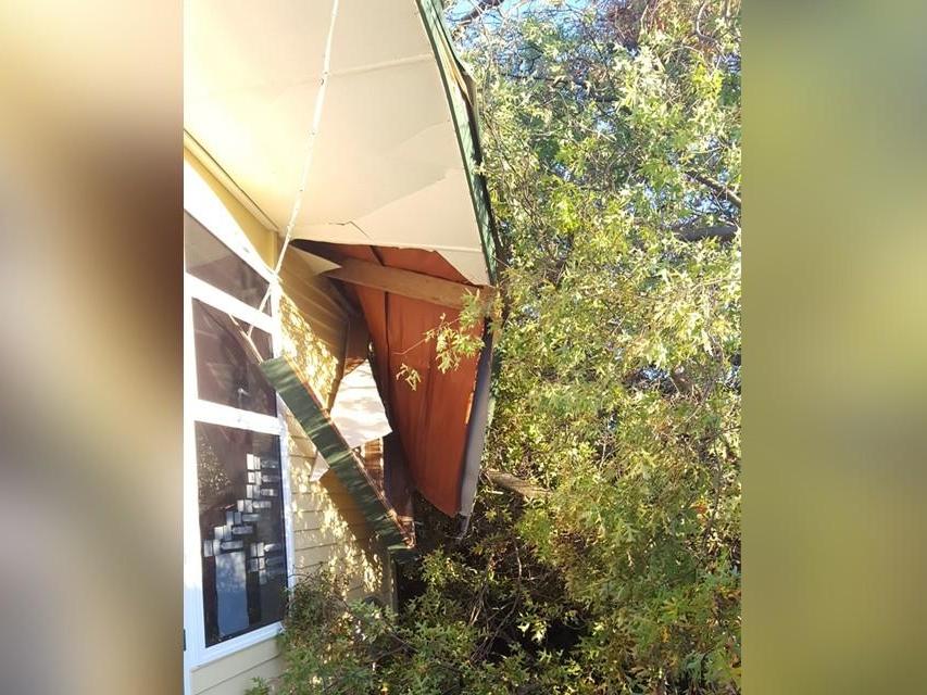 Cyclone-Cook-Hawkes-Bay-house-damage-1-1120.jpg