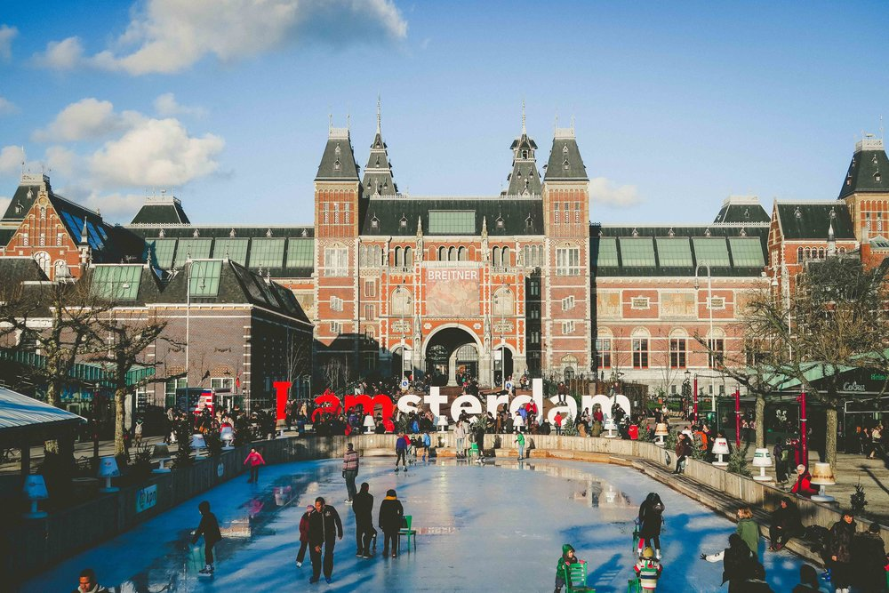 Amsterdam - Nothing more beautiful than ice skating in front of the 'Rijksmuseum'.