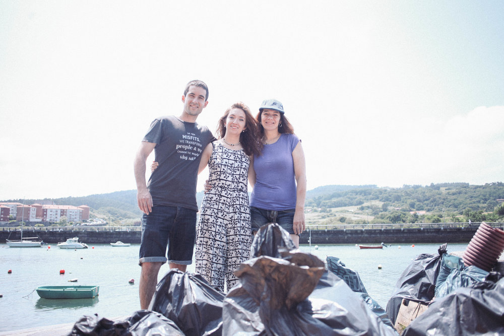 Berdeago - Participo en la plataforma Berdeago en diferentes acciones durante el año.Junto a Juan Zubiaurre y Karmele Gómez en Plentzia en el Berdetxe de moda sostenible.