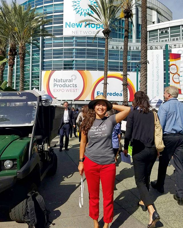 🌾 Expo West 🌾There's Willy Wonka's chocolate factory and then there's #expowest, where food knows no horizon. We're here, stocked with our organic cranberry juice and making friends. Where are all our @bcorporation, @svnetwork, #PacNW peoples?! #food #expowest2017 #cranberry #organicfood #bcorp