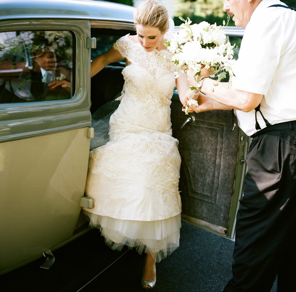 Radiant+Southern+Charm,+Events+by+Reagan,+Virginia+Wedding,+Destination+Wedding+Planner,+Bride+and+Groom+Arrival,+Flower+bouquet.jpeg