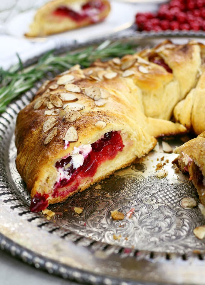 cranberry-goat-cheese-crescent-ring-13.jpg